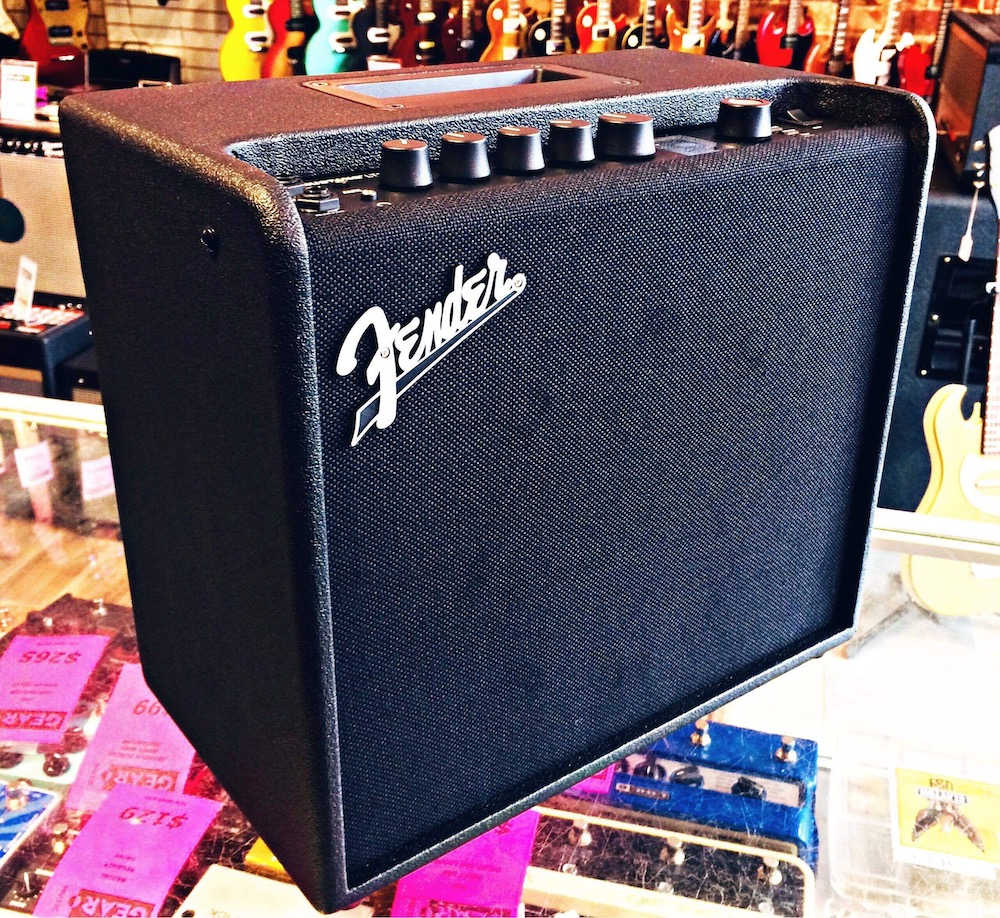 fender mustang lt25 guitar amp gear music canada 39 s best online music store. Black Bedroom Furniture Sets. Home Design Ideas