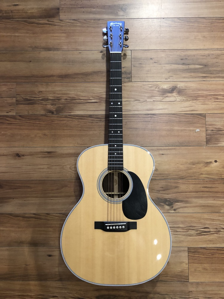 Martin GP-28E Grand Performer Acoustic  …